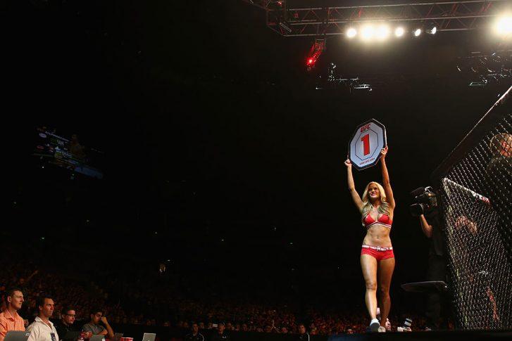 UFCファイトナイト・シドニー:オクタゴンガール【オーストラリア・シドニー/2014年11月8日(Photo by Mark Kolbe/Getty Images)】