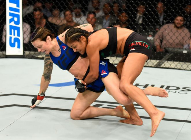 UFCファイトナイト・グラスゴー:ジョアン・コールダウッド vs. シンシア・カルビーヨ【スコットランド・グラスゴー/2017年7月16日(Photo by Josh Hedges/Zuffa LLC/Zuffa LLC via Getty Images)】