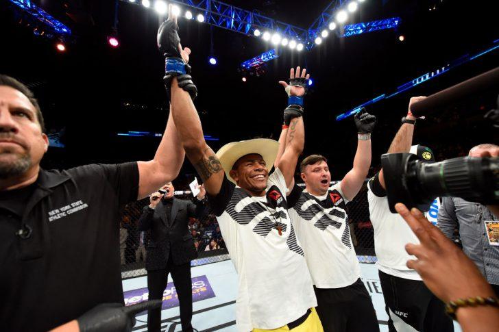 UFCファイトナイト・ロングアイランド:ライアン・ラフレア vs. アレックス・オリベイラ【ニューヨーク州・アメリカ/2017年7月22日(Photo by Josh Hedges/Zuffa LLC/Zuffa LLC via Getty Images)】