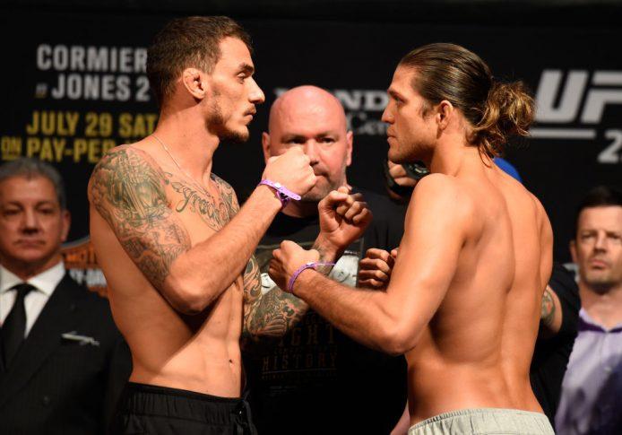 UFC 214:フェイスオフに臨んだヘナート・モイカノとブライアン・オルテガ【アメリカ・カリフォルニア州アナハイム/2017年7月28日(Photo by Josh Hedges/Zuffa LLC/Zuffa LLC via Getty Images)】