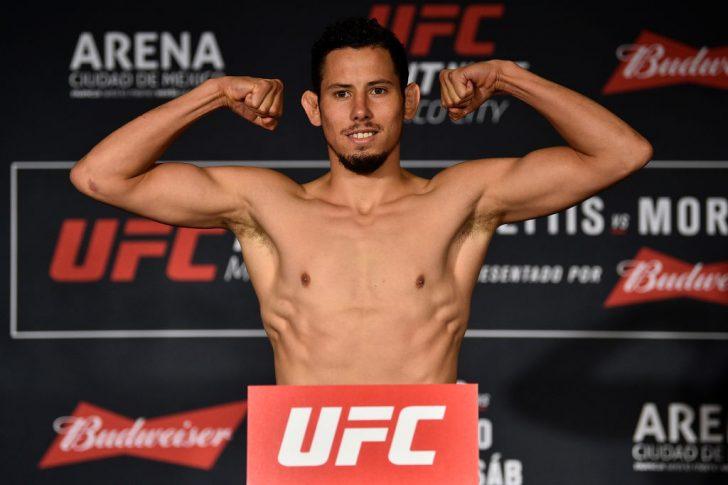 UFCファイトナイト・メキシコシティ:公式計量セレモニーに登場したマルティン・ブラボー【メキシコ・メキシコシティ/2017年8月4日(Photo by Jeff Bottari/Zuffa LLC/Zuffa LLC via Getty Images)】