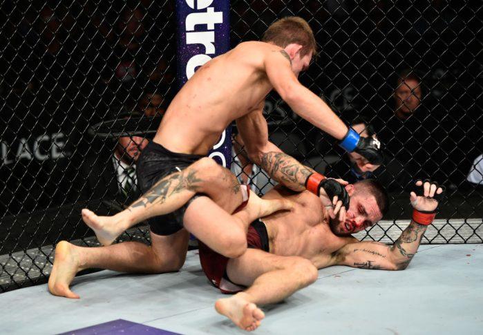 UFC 215:ギャビン・タッカー vs. リック・グレン【カナダ・エドモントン/2017年9月9日(Photo by Jeff Bottari/Zuffa LLC/Zuffa LLC via Getty Images)】