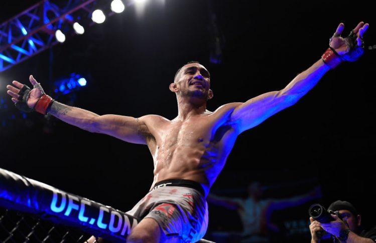 UFC 216:トニー・ファーガソン vs. ケビン・リー【アメリカ・ネバダ州ラスベガス/2017年10月7日(Photo by Brandon Magnus/Zuffa LLC/Zuffa LLC via Getty Images)】