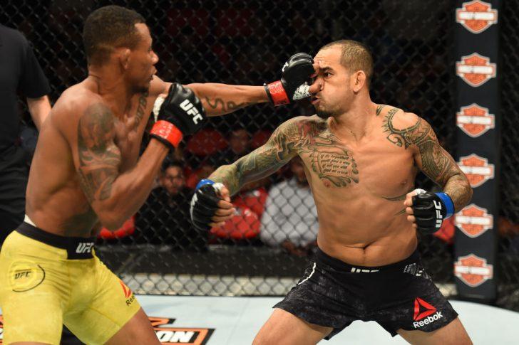 UFC 218:アレックス・オリベイラ vs. ヤンシー・メデイロス【アメリカ・ミシガン州デトロイト/2017年12月2日(Photo by Josh Hedges/Zuffa LLC/Zuffa LLC via Getty Images)】