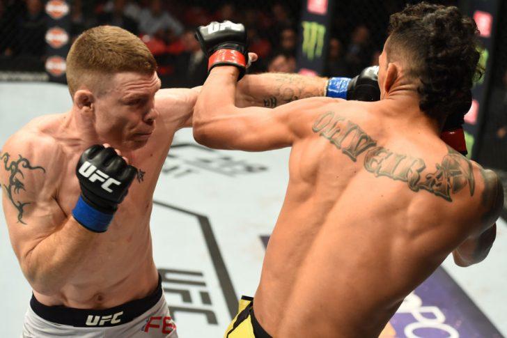 UFC 218:チャールズ・オリベイ...
