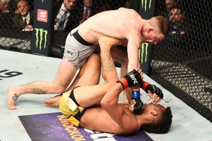 UFC 218:チャールズ・オリベイラ vs. ポール・フェルダー【アメリカ・ミシガン州デトロイト/2017年12月2日(Photo by Josh Hedges/Zuffa LLC/Zuffa LLC via Getty Images)】