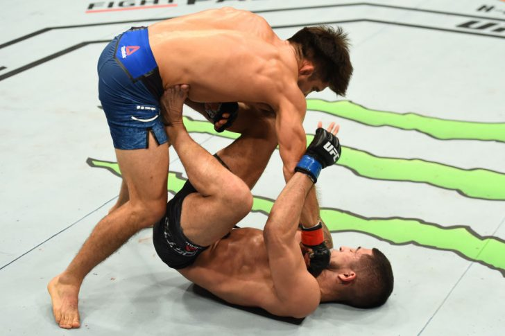 UFC 218:ヘンリー・セフード vs. セルジオ・ペティス【アメリカ・ミシガン州デトロイト/2017年12月2日(Photo by Josh Hedges/Zuffa LLC/Zuffa LLC via Getty Images)】