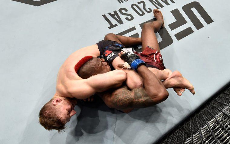 UFC 219:ダニエル・フッカー vs. マルク・ディアケイジー【アメリカ・ネバダ州ラスベガス/2017年12月30日(Photo by Jeff Bottari/Zuffa LLC/Zuffa LLC via Getty Images)】