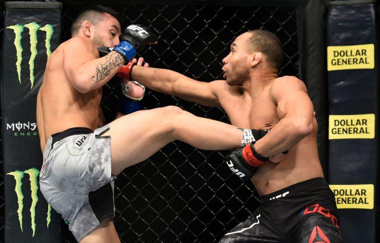 UFC 222:ジョン・ドッドソン vs. ペドロ・ムニョス【アメリカ・ネバダ州ラスベガス/2018年3月3日(Photo by Brandon Magnus/Zuffa LLC/Zuffa LLC via Getty Images)】