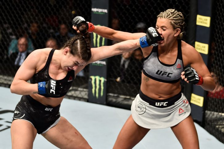 UFC 222:アシュリー・ヨーダー vs. マッケンジー・ダーン【アメリカ・ネバダ州ラスベガス/2018年3月3日(Photo by Jeff Bottari/Zuffa LLC/Zuffa LLC via Getty Images)】