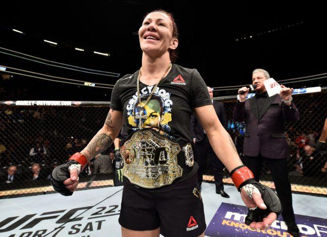 UFC 222:クリスチャン・サイボーグ vs. ヤナ・クニツカヤ【アメリカ・ネバダ州ラスベガス/2018年3月3日(Photo by Jeff Bottari/Zuffa LLC/Zuffa LLC via Getty Images)】