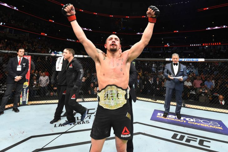 UFC 225:ロバート・ウィテカー vs. ヨエル・ロメロ【アメリカ・イリノイ州シカゴ/2018年6月9日(Photo by Josh Hedges/Zuffa LLC/Zuffa LLC via Getty Images)】