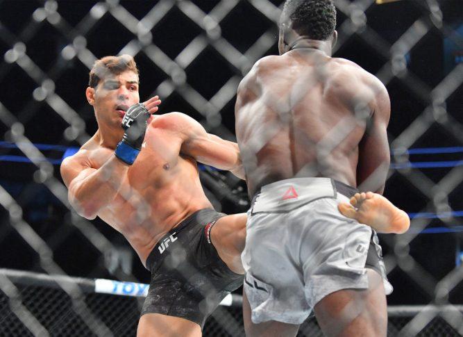 UFC 226:ユライア・ホール vs. パウロ・コスタ【アメリカ・ネバダ州ラスベガス/2018年7月7日(Photo by Sam Wasson/Getty Images)】