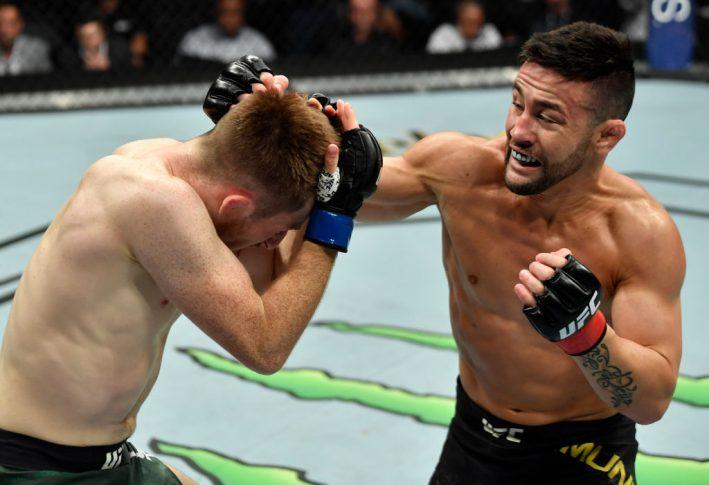 UFC 227:ペドロ・ムニョス vs. ブレット・ジョーンズ【アメリカ・カリフォルニア州ロサンゼルス/2018年8月4日(Photo by Jeff Bottari/Zuffa LLC/Zuffa LLC via Getty Images)】