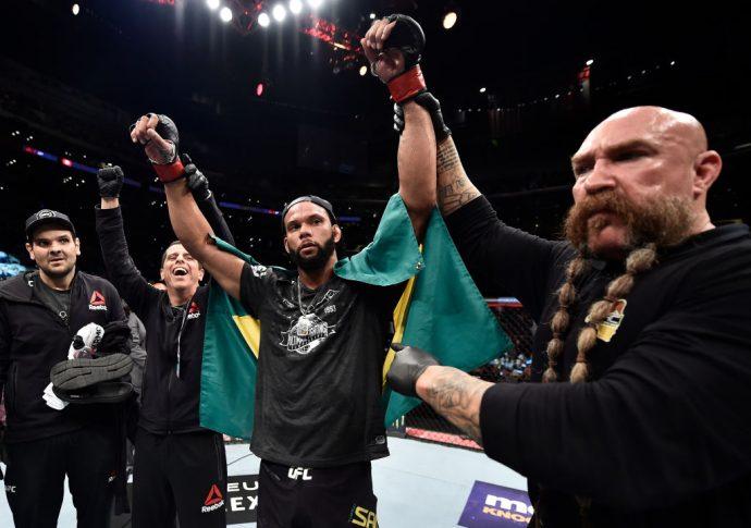 UFC 227:チアゴ・サントス vs. ケビン・ホランド【アメリカ・カリフォルニア州ロサンゼルス/2018年8月4日(Photo by Jeff Bottari/Zuffa LLC/Zuffa LLC via Getty Images)】