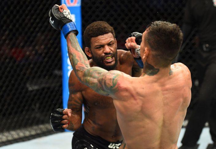 UFCファイトナイト・リンカーン:マイケル・ジョンソン vs. アンドレ・フィリ【アメリカ・ネブラスカ州リンカーン/2018年8月25日(Photo by Josh Hedges/Zuffa LLC/Zuffa LLC via Getty Images)】