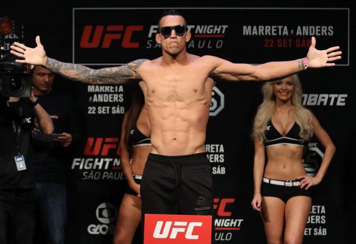 UFCファイトナイト・サンパウロ:公式計量に登場したチャールズ・オリベイラ【ブラジル・サンパウロ/2018年9月21日(Photo by Buda Mendes/Zuffa LLC/Zuffa LLC via Getty Images)】