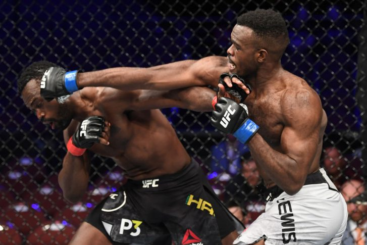 UFC 232:ユライア・ホール vs. ベヴォン・ルイス【アメリカ・カリフォルニア州イングルウッド/2018年12月29日(Photo by Christian Petersen/Zuffa LLC/Zuffa LLC via Getty Images)】