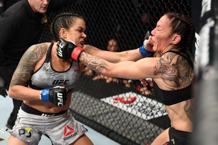 UFC 232:クリスチャン・サイボーグ vs. アマンダ・ヌネス【アメリカ・カリフォルニア州イングルウッド/2018年12月29日(Photo by Josh Hedges/Zuffa LLC/Zuffa LLC via Getty Images)】