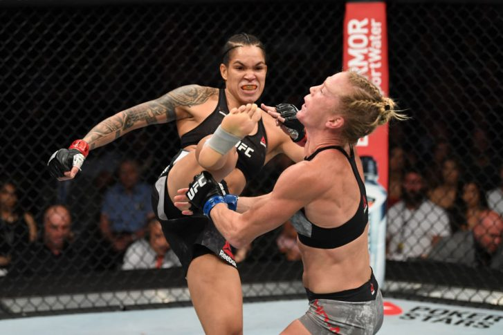 UFC 239:アマンダ・ヌネス vs. ホリー・ホルム【アメリカ・ネバダ州ラスベガス/2019年7月6日(Photo by Josh Hedges/Zuffa LLC/Zuffa LLC)】