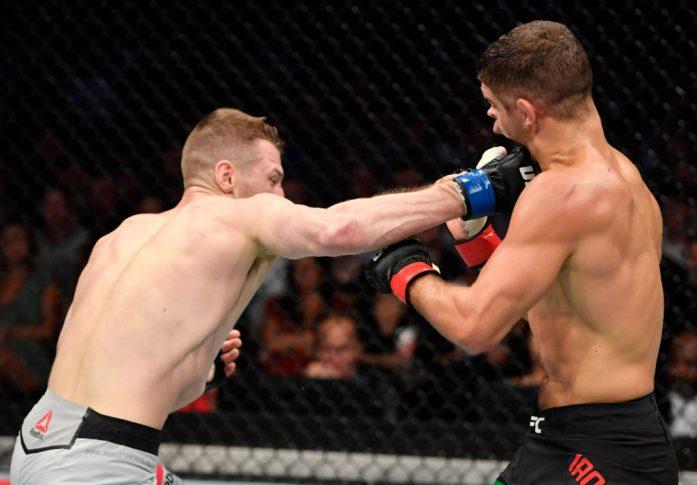 UFC 243:アル・アイアキンタ vs. ダニエル・フッカー【オーストラリア・メルボルン/2019年10月6日(Photo by Jeff Bottari/Zuffa LLC/Zuffa LLC via Getty Images)】