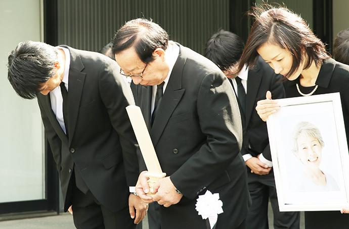 家族葬の喪主