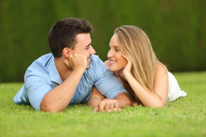 恋愛がうまくいかない原因は?仲良しカップル&夫婦のコミュニケーション術