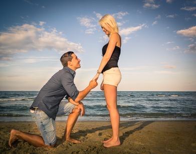 彼氏に「結婚」を意識させたい!男性のタイプ別・結婚の話を自然に切り出す方法