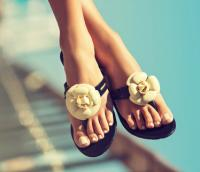7月の恋愛運UPのネイルカラーは「○○○」!風水おすすめペディキュア・ネイルカラー