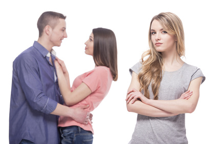 もしかして騙されてる?独身とウソをつく男性を見抜くための方法