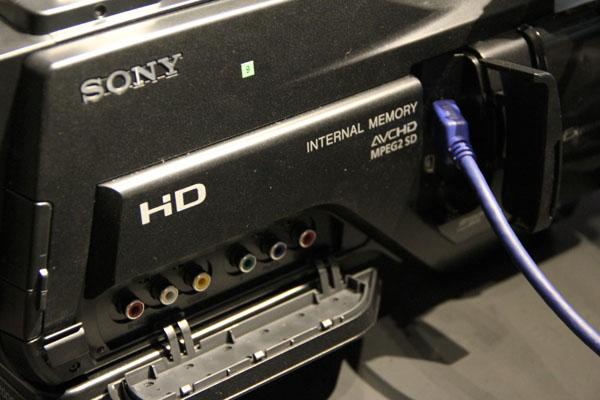 HXR-MC2000J_2.jpg