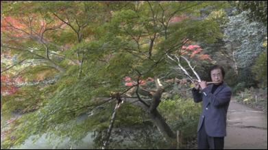 広大な敷地をもつ寺院での篠笛演奏