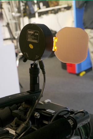 camlight05_interbee2011.jpg