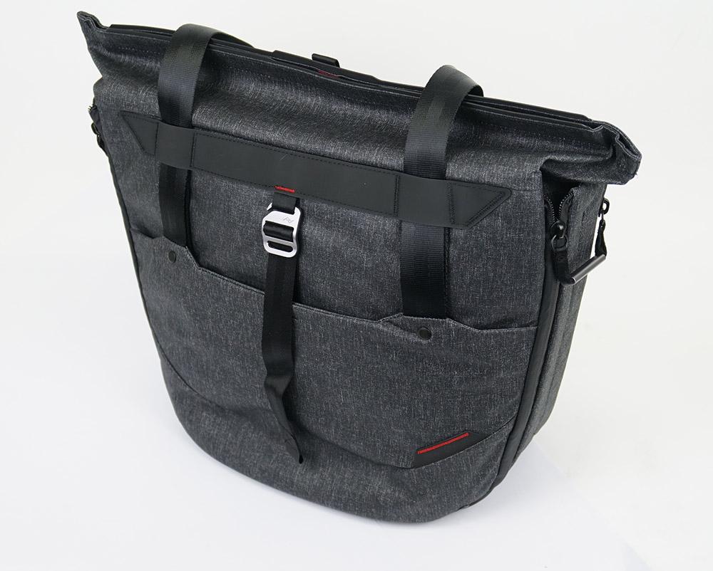 ピークデザインのトートバッグ、一週間使ってみた