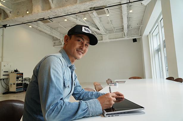 【Surface Book 映像制作の現場】マイクロソフト Surface Book とソニーαはWebムービー制作に向いた機動力抜群のツールだ~NICK YAMAZAKIさん