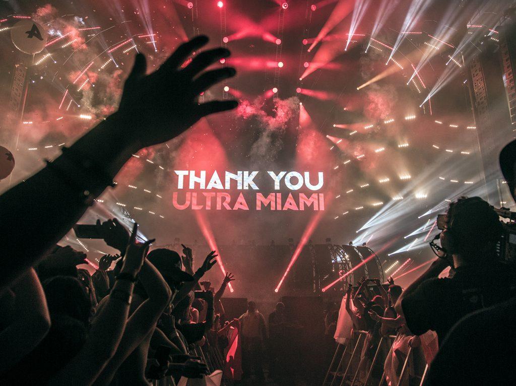 ウルトラ・ミュージック・フェスティバルのライブ放送、URSA Mini Pro および URSA Mini 4.6K を使用して撮影