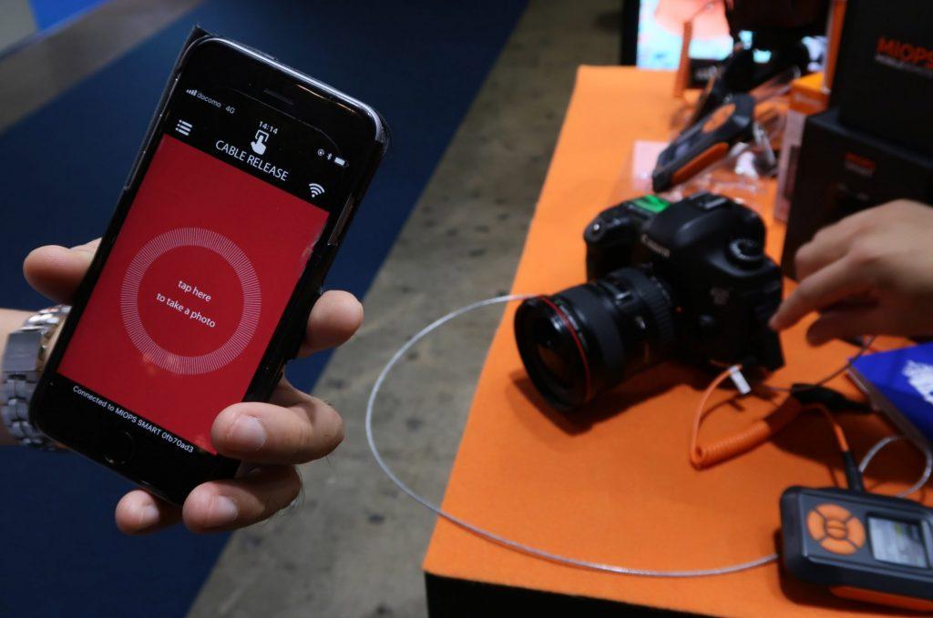 ノビテック、決定的瞬間を捉える自動シャッターシステム