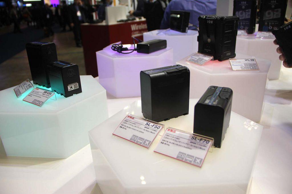 I・D・X/次世代PowerLinkバッテリーと5.5型フルHD有機ELパネルのビューファインダーモニター