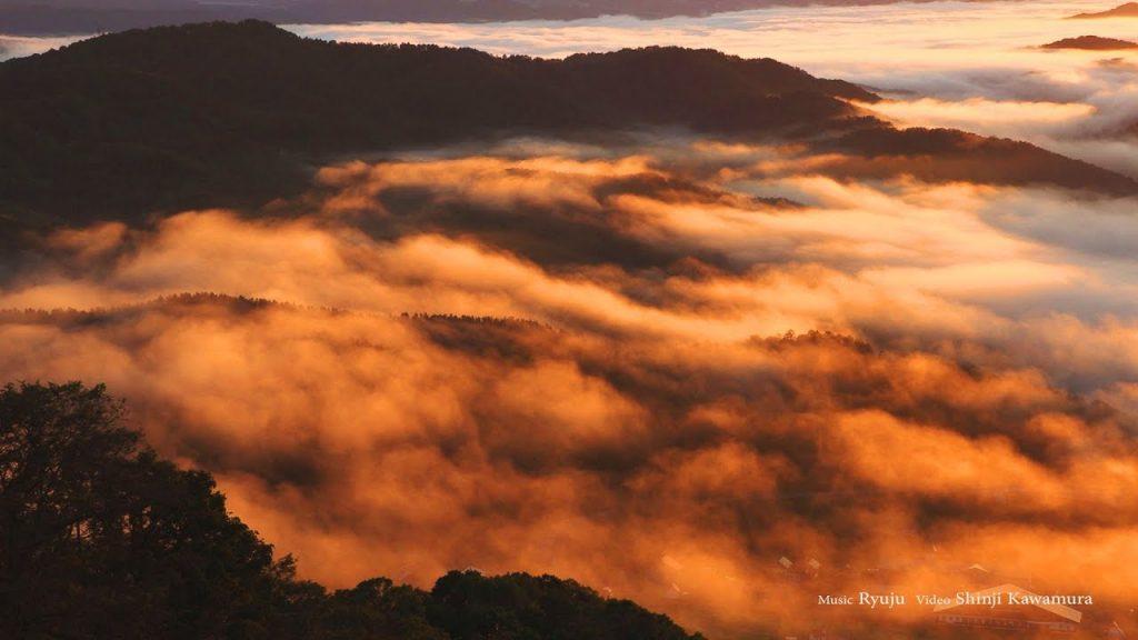 【Views】『雲海 sea of clouds』4分24秒~まるで意思をもっと生き物のように山肌を這い回るような、まさに雲たちの海を山頂から描き上げる