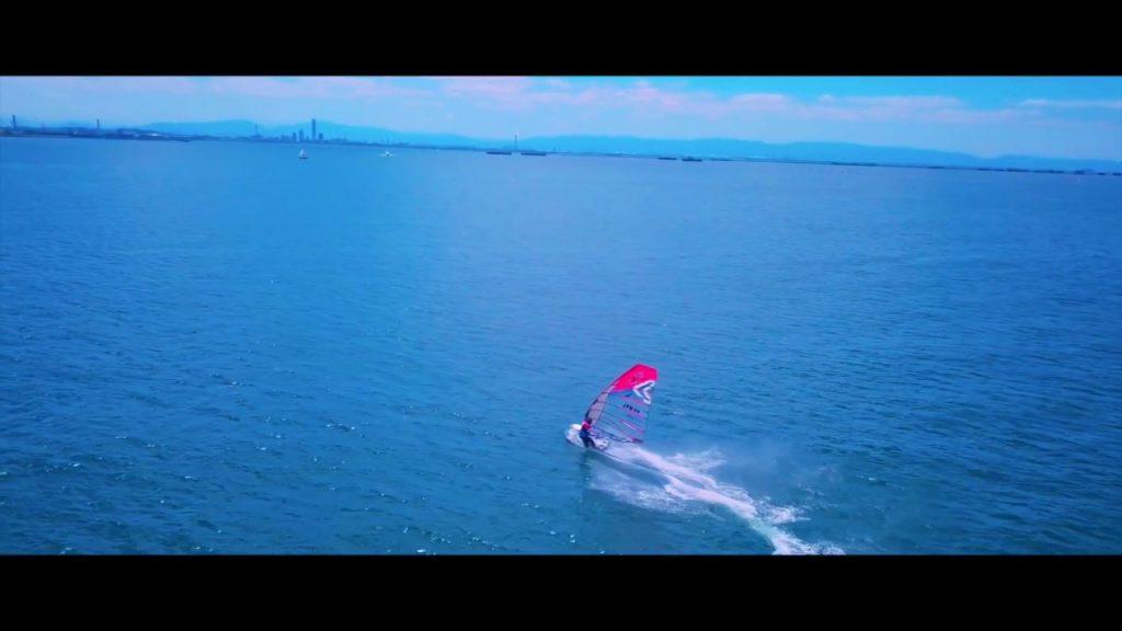 【Views】『Water Trace of Koushienhama』3分~スピードと優雅さが共存する不思議な世界をドローンでスケッチ