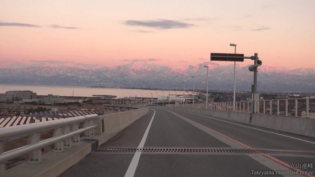 【Views】『北陸紀行~富山冬編2019』1分47秒~北陸の冬の情景インサートを挟みながら、ここぞというポジションからじっくり練られた構図は地元ならではの頼もしさを感じる