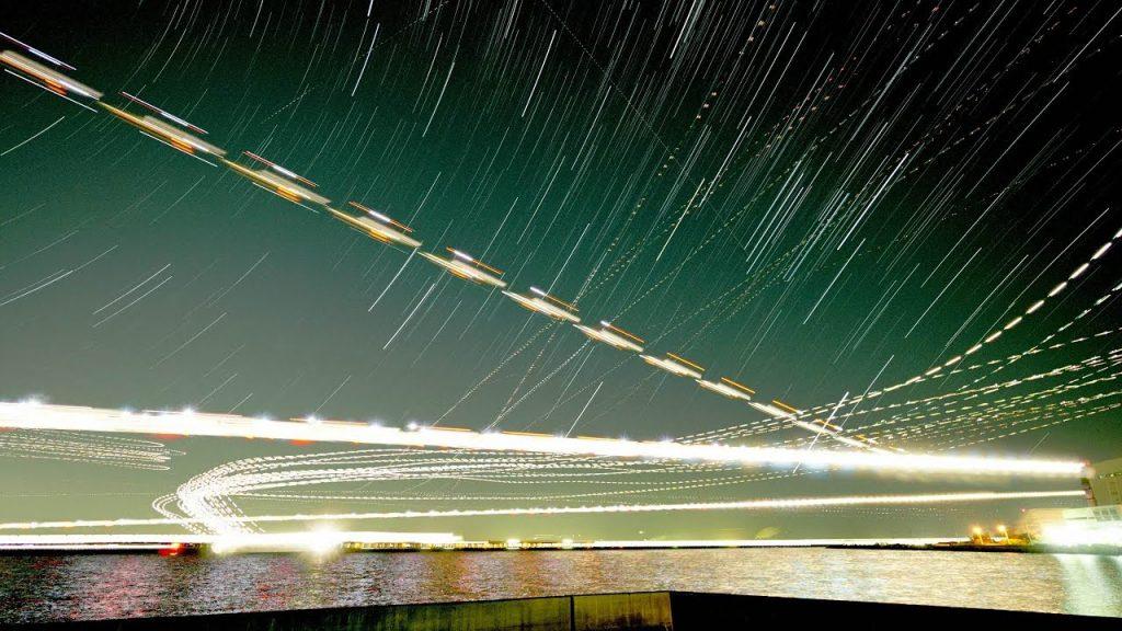 【Views】『ゴーアラウンド』2分50秒~川崎の浮島町公園から狙った羽田空港着陸機の映像。 頻繁な離発着を可視化した後半のタイムラプスは美しすぎる
