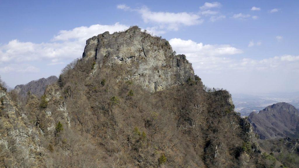 【Views】『妙義山』7分〜この山の雄大さ、険しさが、ゆったりとした音楽とカメラワークで淡々と紡がれていく