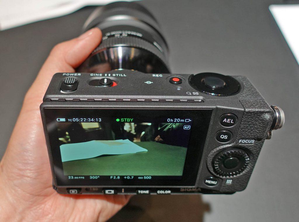 ポケットサイズで4K UHD CinemaDNG RAW記録に対応する「SIGMA fp」のシネカメラ関連機能をチェックする