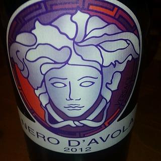Feudi del Pisciotto Versace Nero d'Avola(フェウーディ・デル・ピショット ヴェルサーチ ネーロ ダーヴォ)