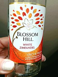 Blossom Hill White Zinfandel(ブロッサム・ヒル ホワイト・ジンファンデル)