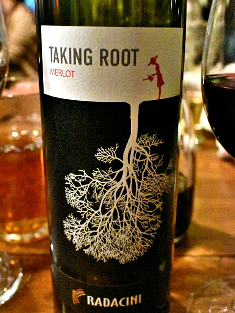 Radacini Taking Root Merlot(ラダチーニ テイキング・ルート メルロ)