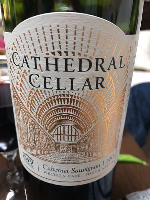 KWV Cathedral Cellar Cabernet Sauvignon(ケイ・ダブリュー・ヴィ カセドラル・セラー カベルネ・ソーヴィニヨン)