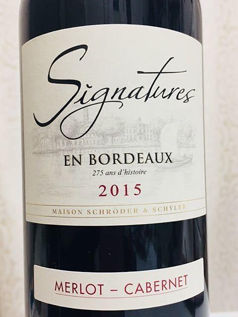 Signatures En Bordeaux Rouge