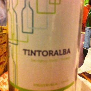 Tintoralba Sauvignon Blanc(ティントラルバ ソーヴィニヨン・ブラン)